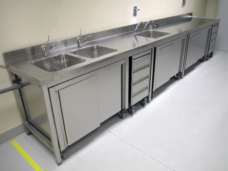 Furnishings And Furniture In Stainless Steel Wash